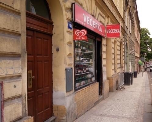 Obchod 35 m2, Holečkova